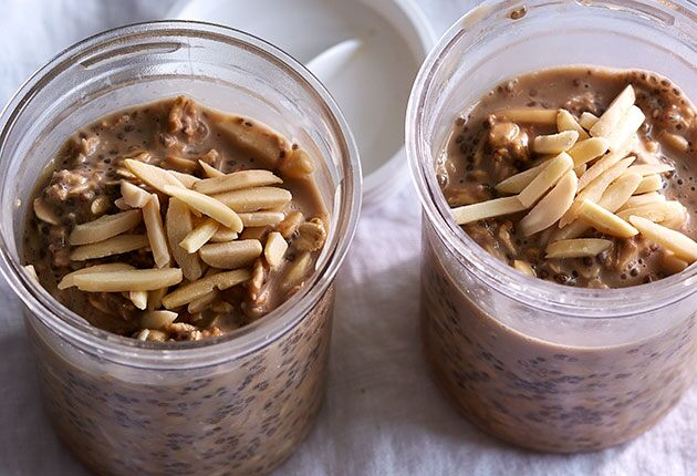 Almond Latte Overnight Oats