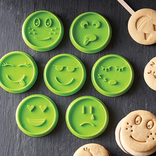 Emoji Cookie Cutter Set Shop Pampered Chef Us Site