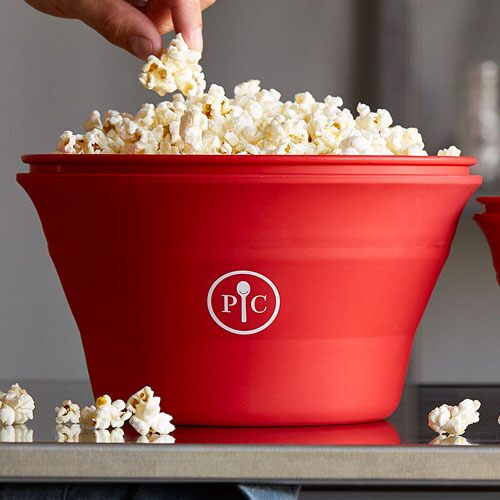 Play Family-Size Microwave Popcorn Maker Video