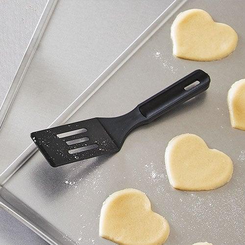 The Pampered Chef Mini Nylon Serving Spatula
