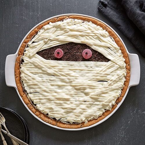 Large Mummy Cookie Pizza
