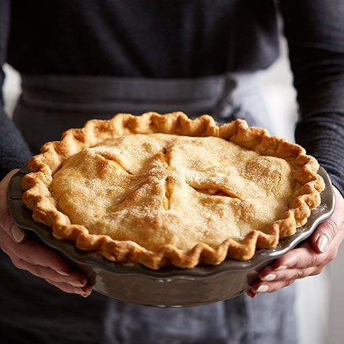 Homestyle Apple Pie & Pie Crust Shield - Shop | Pampered Chef US Site