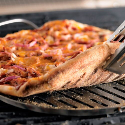 grilled bbq chicken pizza push the smoky flavor of barbecue chicken ...
