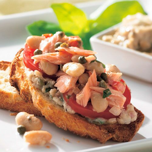 Tuscan Salmon and Bean Salad